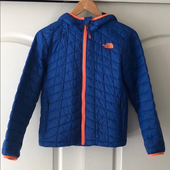 13f9b9ddbfc9 North Face thermoball Hoodie Boys. M 5b87f618e9ec8925dc3a2ec5